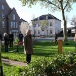 Bloemlegging namens de gemeente Apeldoorn